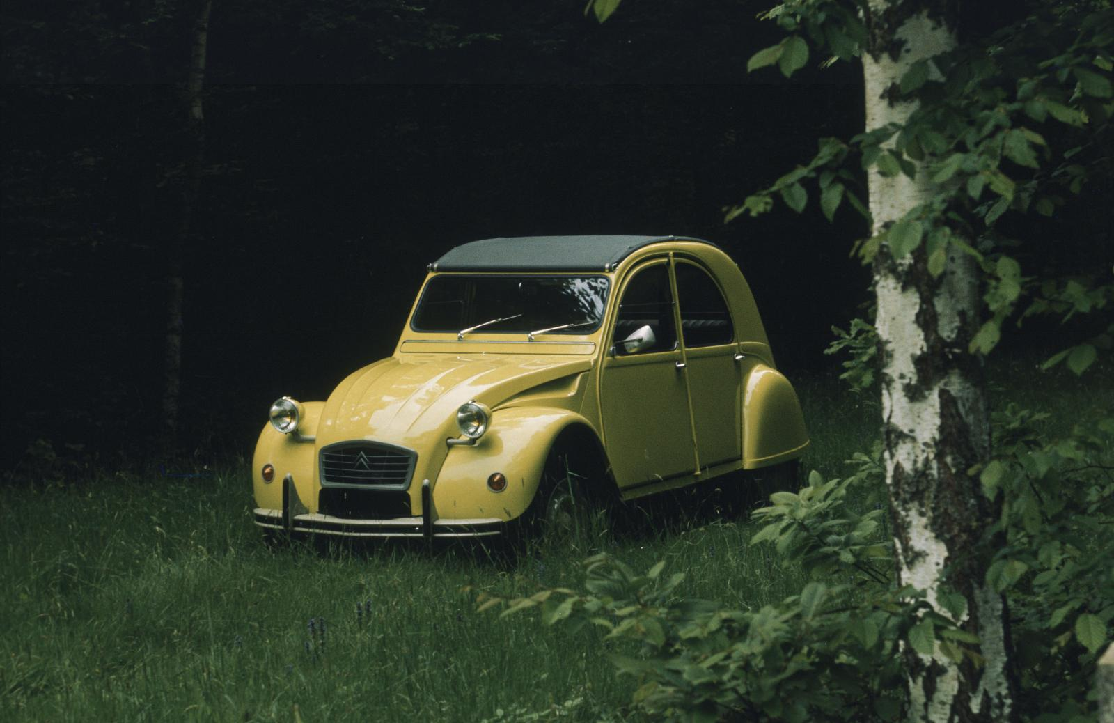 2CV Special 1976 m. Citron Yellow