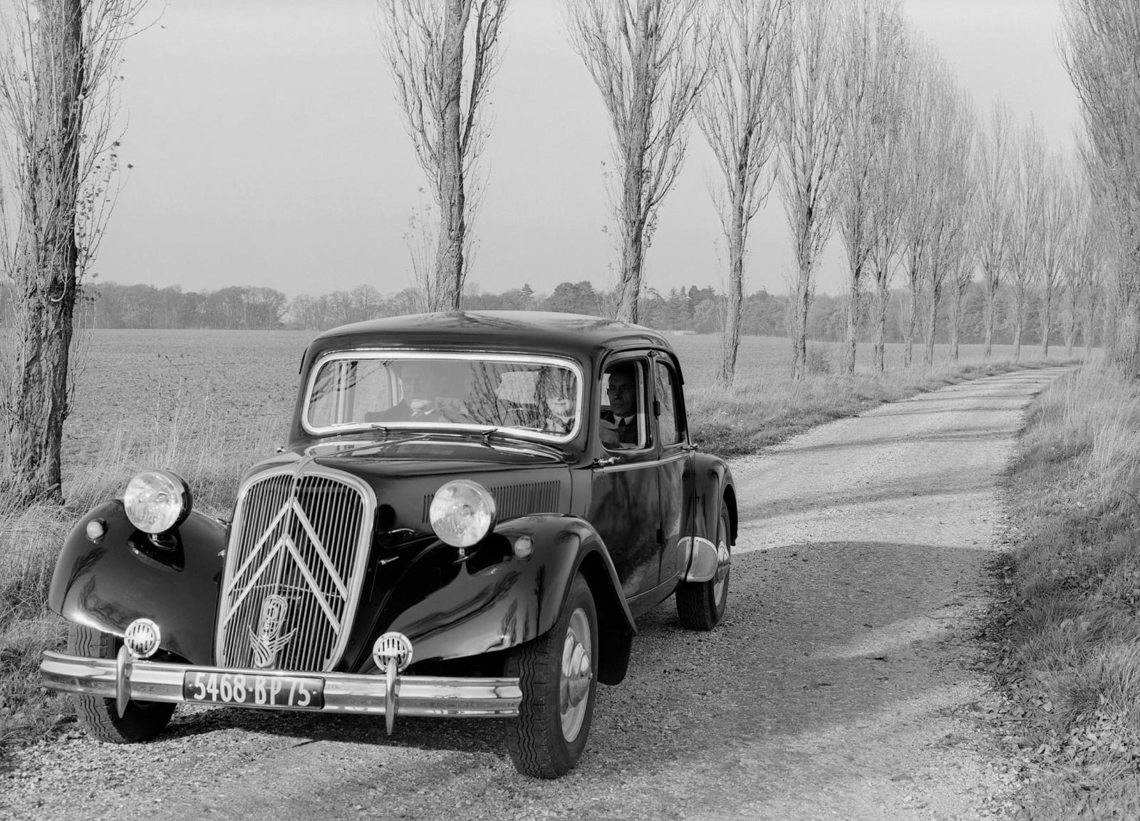 Traction 15 SIX 1952 m.