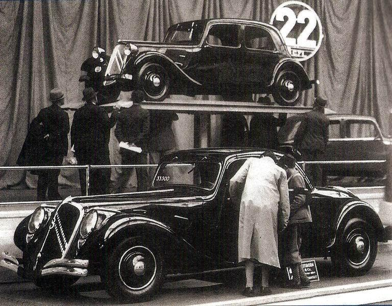 """1934 m. Traction 22B """"Faux-Cabriolet"""""""